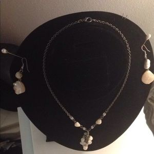 Jewelry - Lovely earrings and necklace set